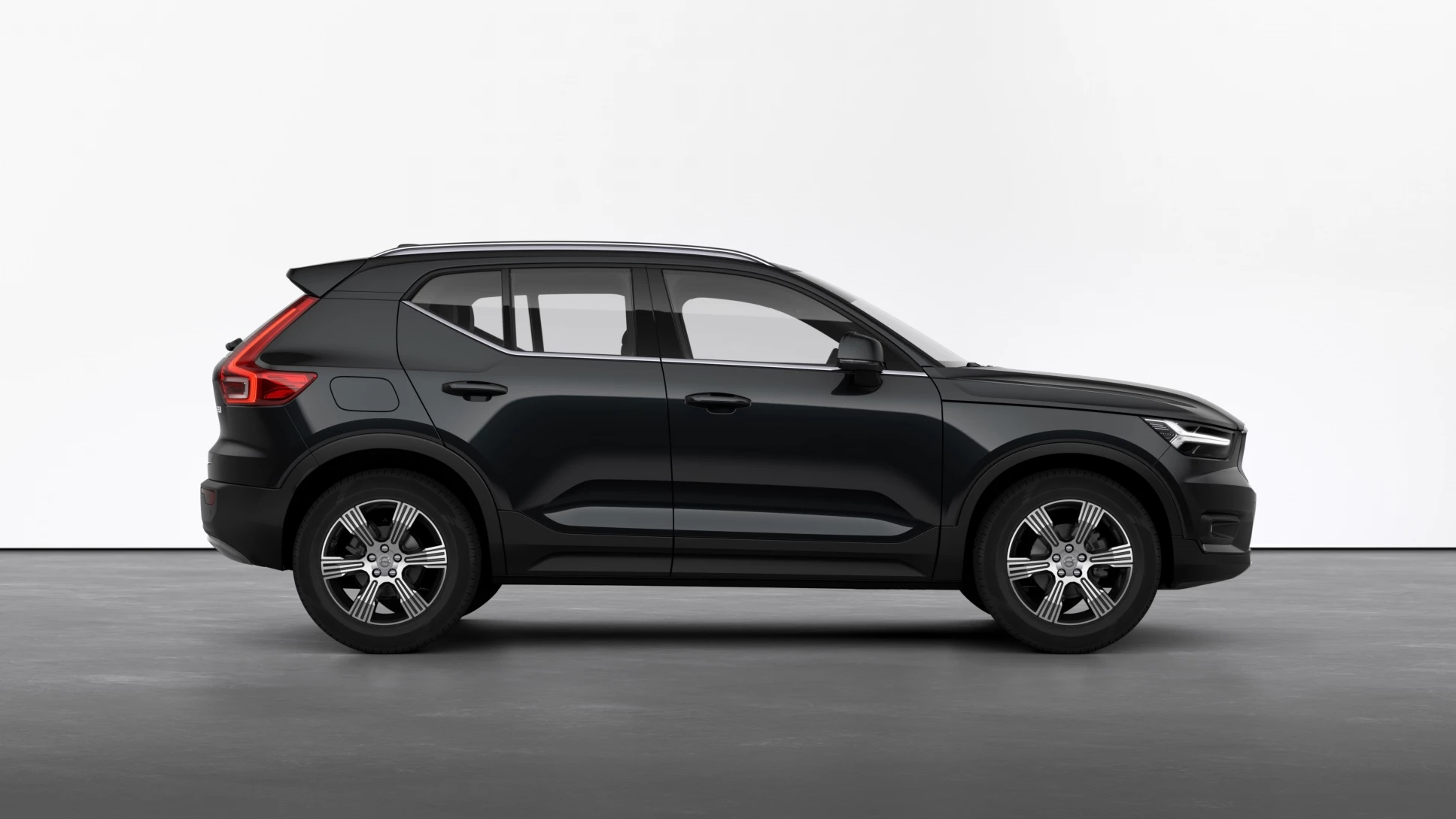 Volvo XC40 B4 (Petrol) Mild Hybrid AT8 AWD Inscription – 12470