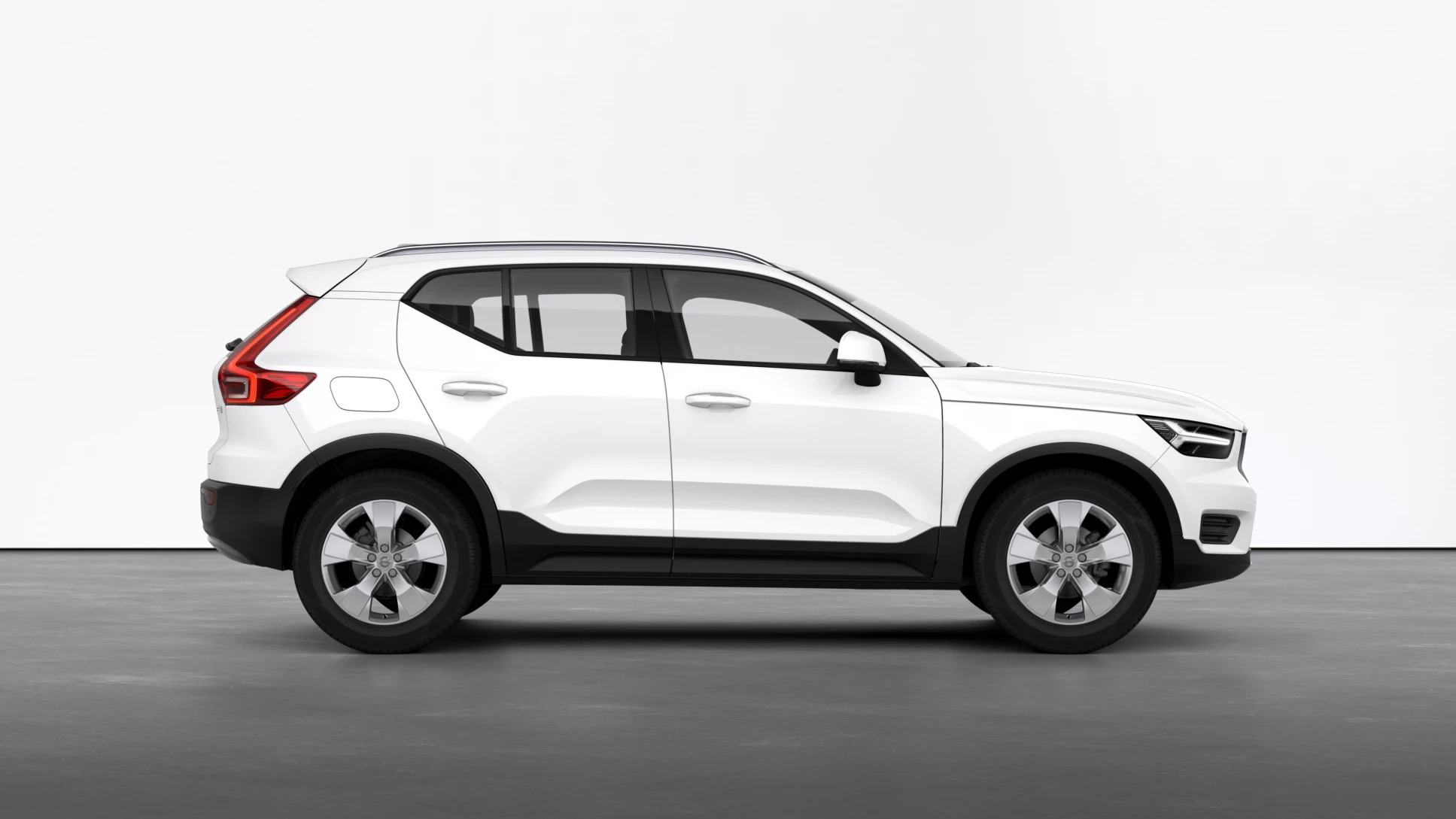 Volvo XC40 T3 AT8 FWD Momentum Pro 12485